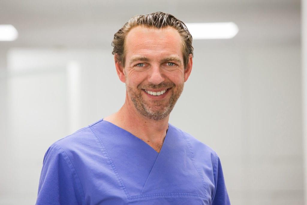 Dr. Daniel Korth Facharzt für Anästhesie bei Meyer Implantologie in Hameln