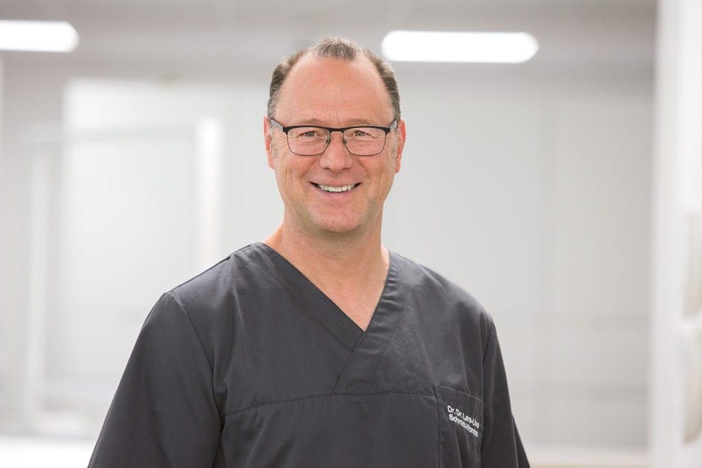 Dr. Dr. Uwe Schmidt – Wondra Zahnarzt Facharzt Mund-, Kiefer – und Gesichtschirurgie