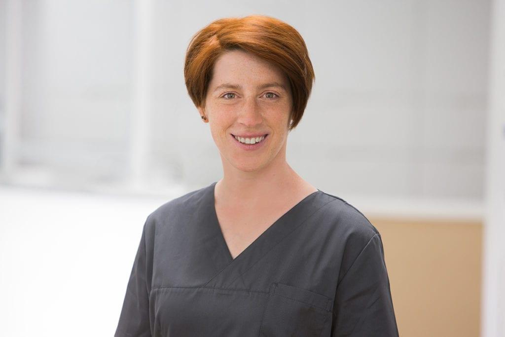 Nina Bitterberg ZMF bei Zahnarzt Meyer Implantologie in Hameln